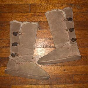 BearPaw Lauren boots sz 7 brown suede buttons tall